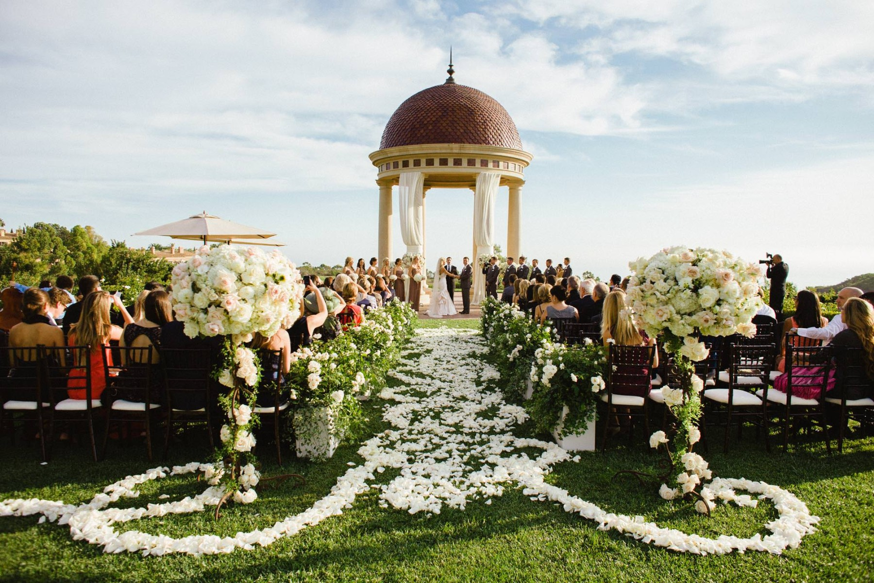 nisies-enchanted-florist-orange-county-Lindsay-and-Anthony-Pelican-Hill-Resort-wedding-5