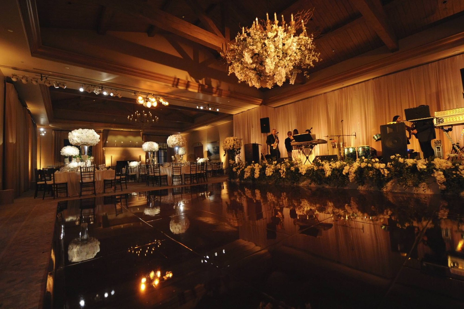nisies-enchanted-florist-orange-county-Stephanie-and-TJ-Pelican-Hill-Resort-wedding-3