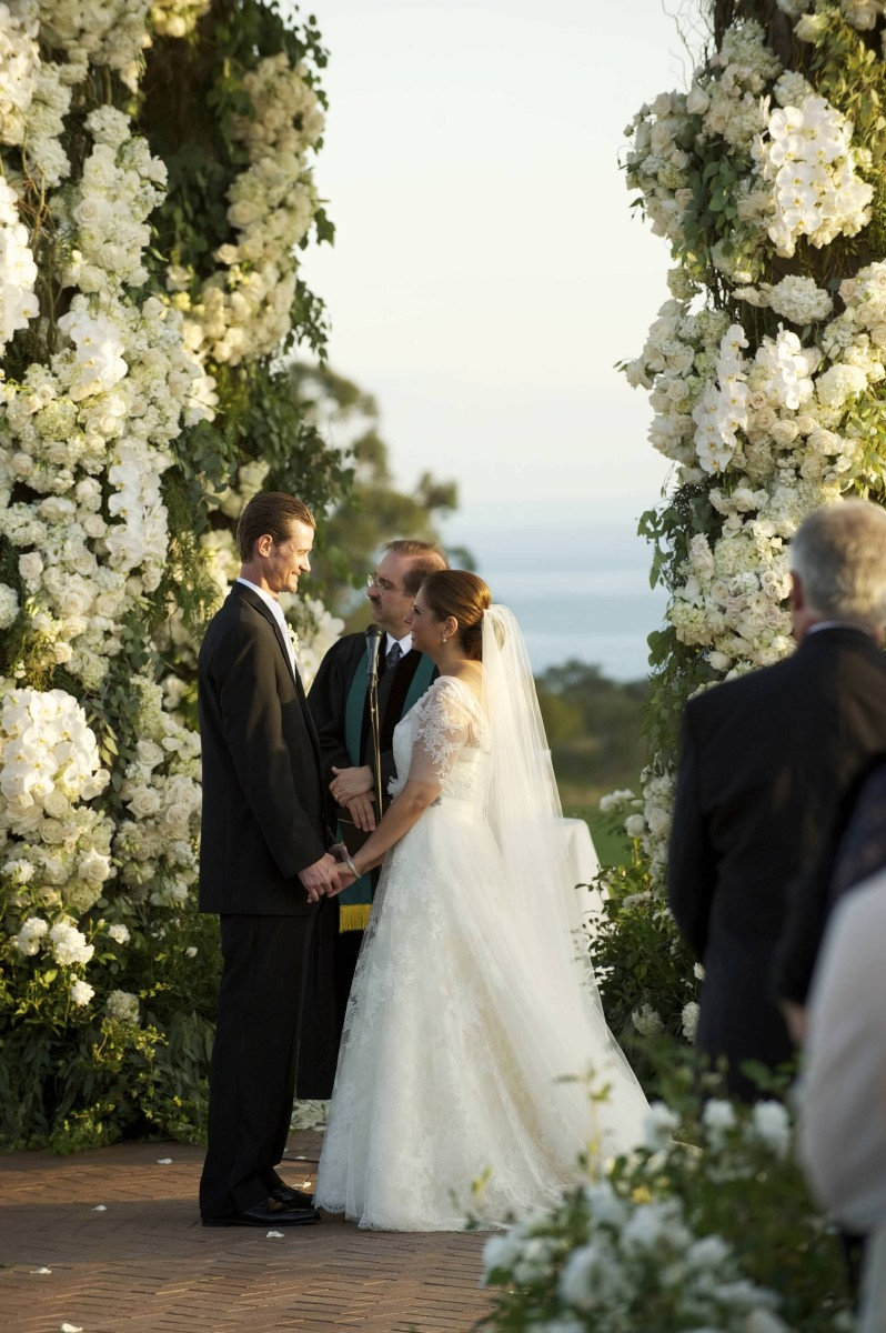 nisies-enchanted-florist-orange-county-Stephanie-and-TJ-Pelican-Hill-Resort-wedding-8