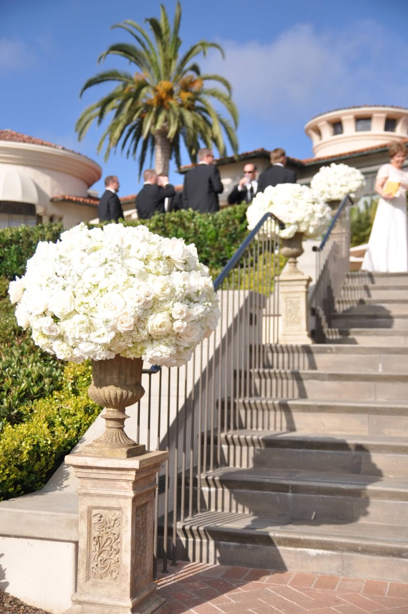 nisies-enchanted-florist-orange-county-Stephanie-and-TJ-Pelican-Hill-Resort-wedding-9