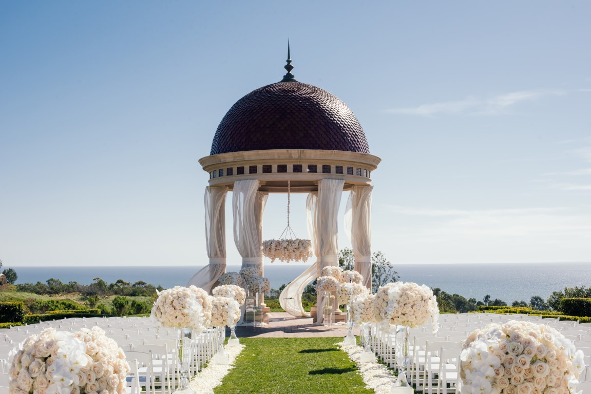Nisie S Enchanted Florist At The Pelican Hill Resort Casey And Sean Vision In White